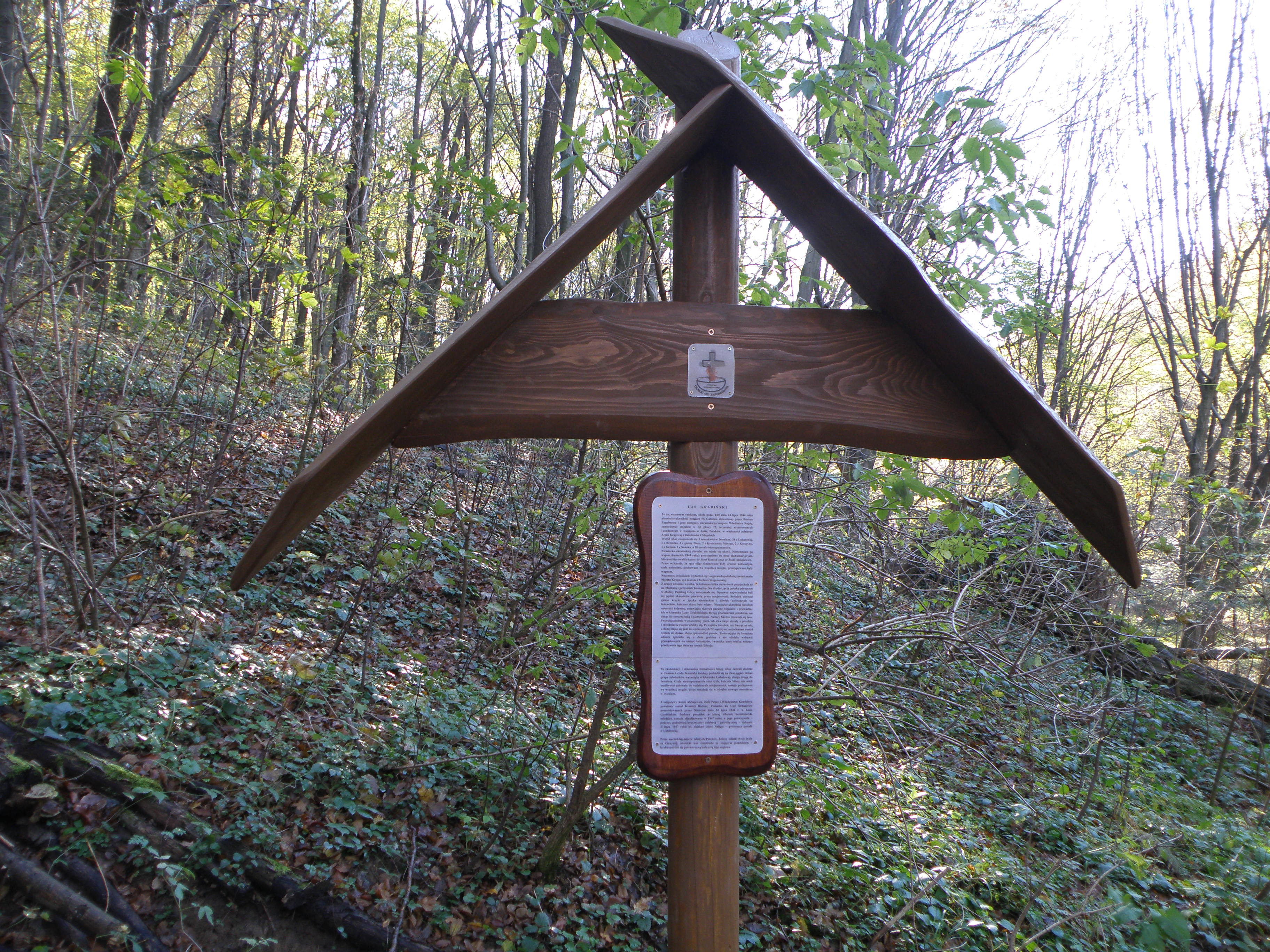 3.Pomnik w Lesie Grabińskim- 3