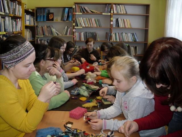 Ferie w bibliotece  w Lubatówce