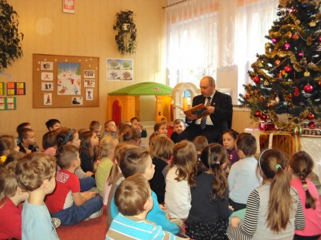 """Akcja ,,Cała Polska czyta dzieciom"""""""